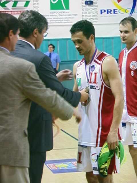 Nemanja Danilovič přebírá medaili za 3.místo