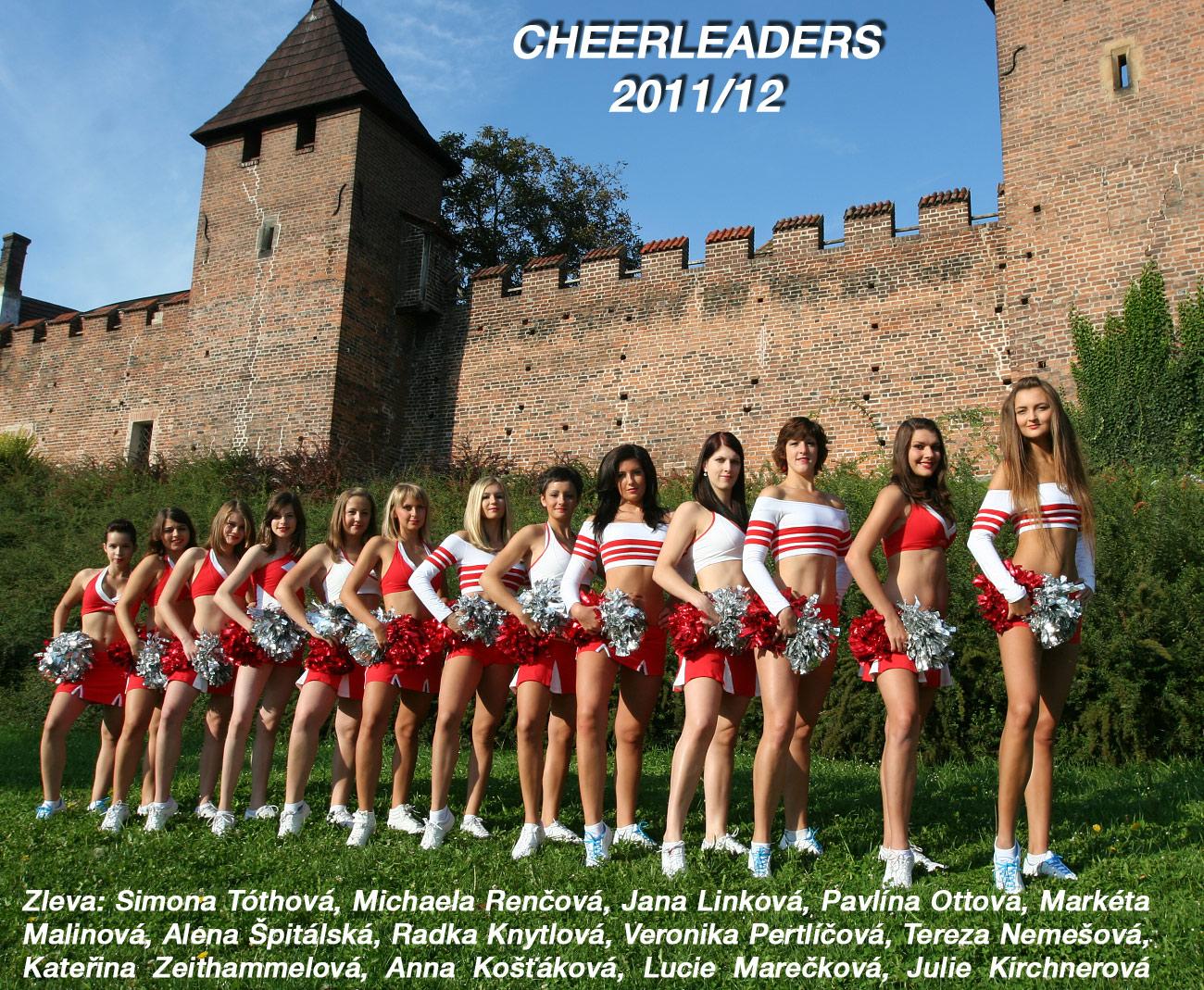 Cheerleaders_společná fotka 2011-12