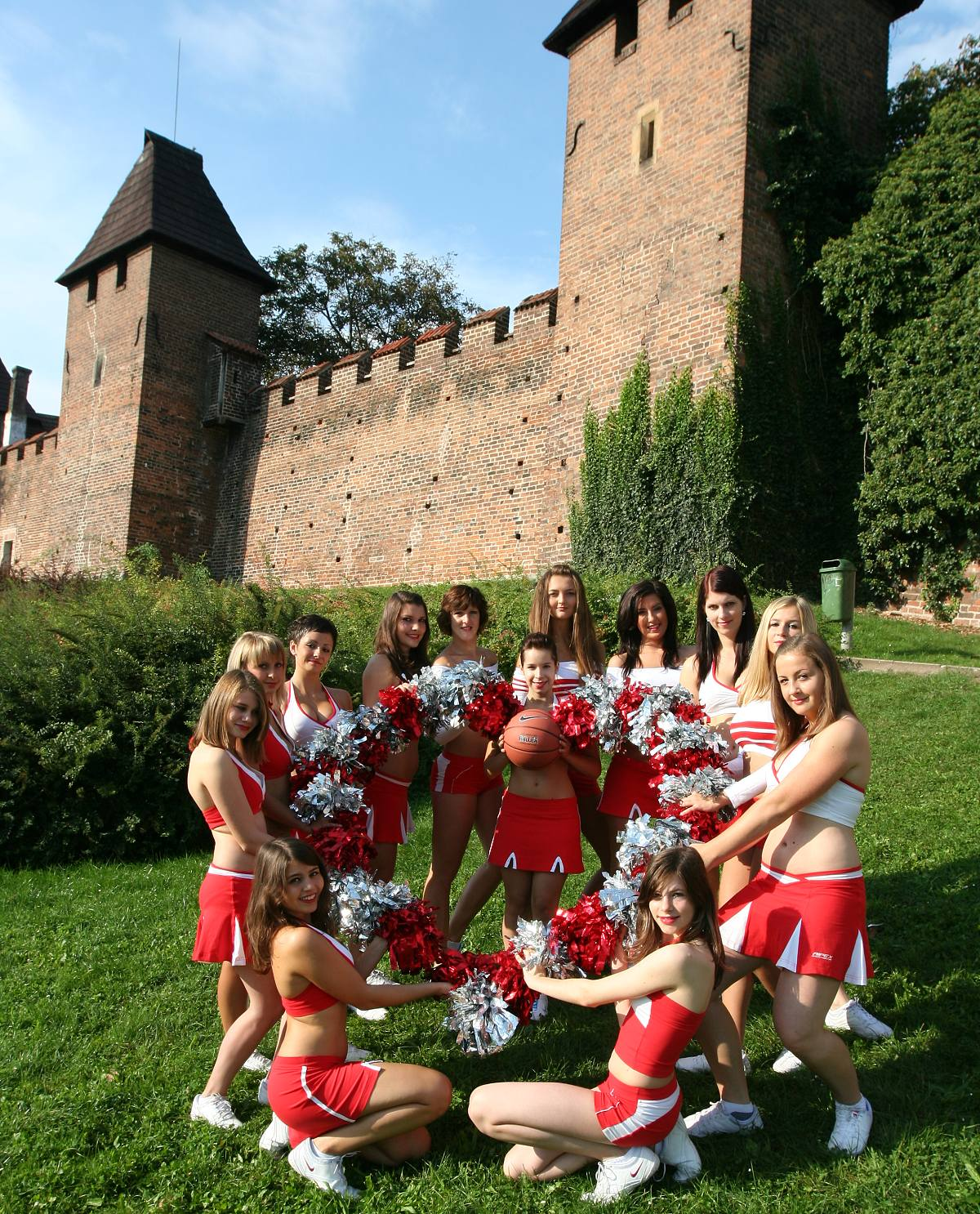 Cheerleaders ped sezonou 2011/12